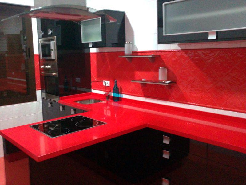 Cocina negra y roja fabulous muebles with cocina negra y for Cocinas modernas negras con rojo